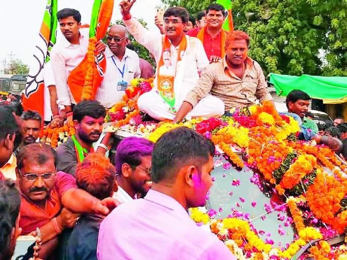 Maharashtra Election 2019 ; Congress also won in the district along with the Vadettiwar; On the other hand, BJP lost, Mungantiwar and Bhangadia won   Maharashtra Election 2019 ; जिल्ह्यात वडेट्टीवारांसह काँग्रेसही जिंकली; तर दुसरीकडे भाजप हरली, मुनगंटीवार व भांगडिया मात्र जिंकले