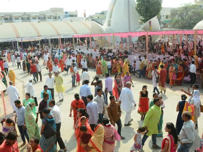 The city of Dumdumle with the shouting of Guru Ganesha Maharaj | गुरुगणेश महाराजांच्या जयघोषाने दुमदुमले जालना