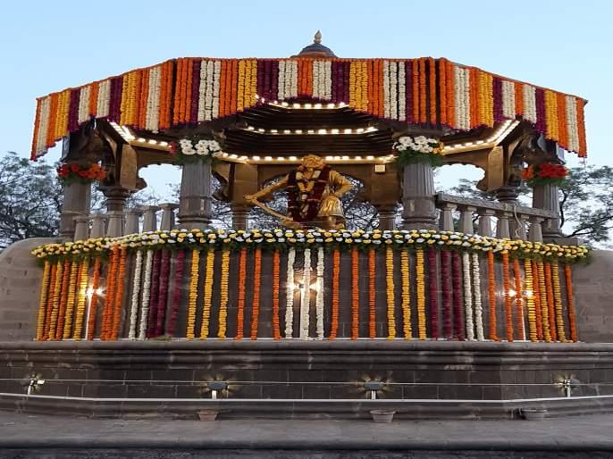 Government tribute to chatrapati sambhaji maharaj at wadhu budruk and tulapur   वढु व तुळापुर येथे छत्रपती शंभूराजांना शासकीय मानवंदना; पहिल्यांदाच शांततेत कार्यक्रम