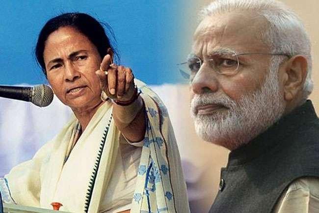 'Super Emergency' for last five years in country; Mamta Banarjee on Modi | देशात मागील 5 वर्षापासून 'सूपर इमर्जन्सी'; ममतांचा मोदींवर निशाणा