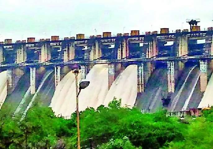 Rainfall rains in Madhya Pradesh open seven gates of Purna dam | मध्यप्रदेशात संततधार पावसामुळे पूर्णा धरणाचे सात दरवाजे उघडले
