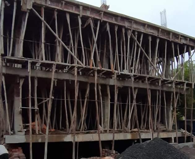 Absence of unauthorized builders due to lack of coordination with police | पोलीस-पालिकेत समन्वय नसल्याने अनधिकृत बांधकामधारकांना अभय