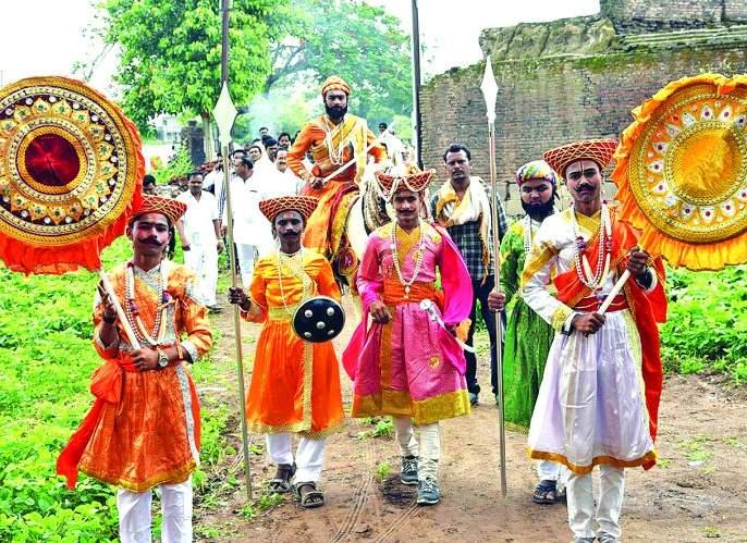 Greetings to Raja Lakhojiro Jadhav | राजे लखोजीराव जाधव यांना अभिवादन; जिजाऊ जन्मस्थळावरुन शोभायात्रा