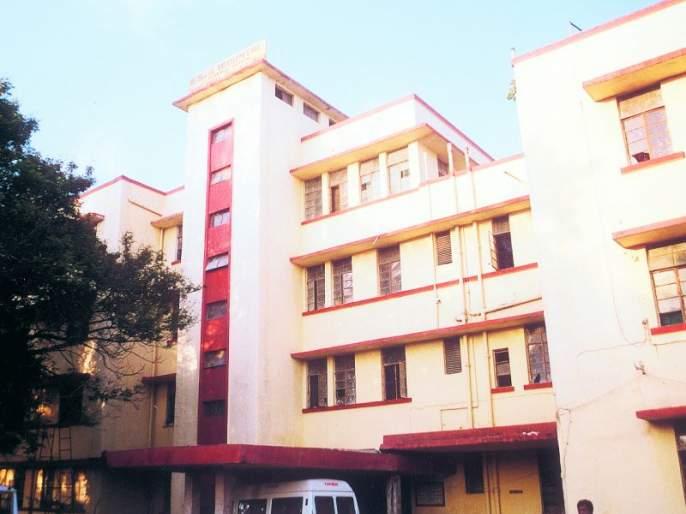 Registration is done by the fourth person in the insurance hospital in Nagpur | नागपुरातील विमा रुग्णालयात चतुर्थ कर्मचारी करतो रजिस्ट्रेशन