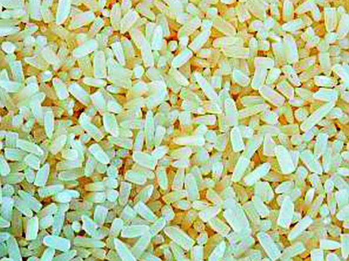 Rice shops contain granulated rice supplies | रेशन दुकानांमध्ये होतोय कणीमिश्रित तांदूळ पुरवठा