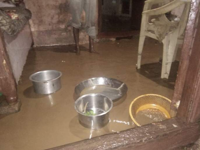 Due to heavy rain, Kelana River floods | भोकरदनमध्ये मनसोक्त बरसला; केळना नदीला पूर