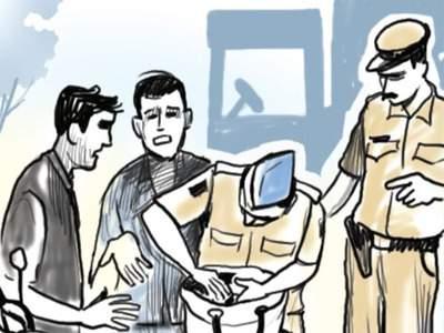 Millions of liquor seized so far with cash   दारू, रोकडसह आतापर्यंत लाखोंचा मुद्देमाल जप्त