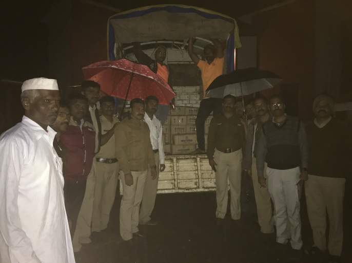 Mahabaleshwar seizes liquor reserves of 2.5 lakhs | महाबळेश्वर येथे अडीच लाखांचा दारू साठा जप्त