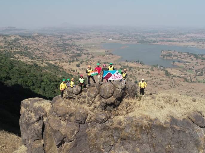 The mountaineers of Nashik made Brahma Khuta Sulka Sir   नाशिकच्या गिर्यारोहकांनी केला ब्रम्हा खुटा सुळका सर
