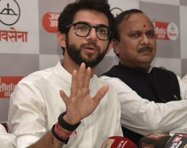 Farmers will be debt free; Aditya Thackeray's assurance | शेतकऱ्यांची कर्जमुक्ती होणारच; आदित्य ठाकरे यांचे आश्वासन