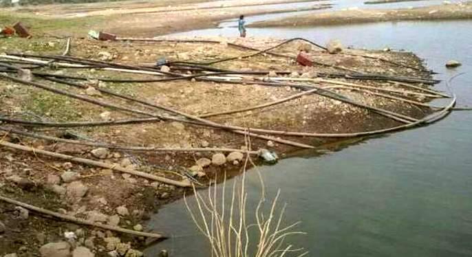 The administration's contraversial role to prevent water logging   पाणीउपसा रोखण्यासाठी प्रशासनाची आडमुठी भूमिका