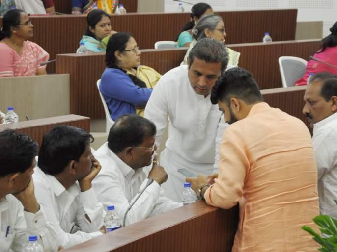 Who exactly is the opponent in the Zilla Parishad? | जिल्हा परिषदेत विरोधक आता नेमका कोण?