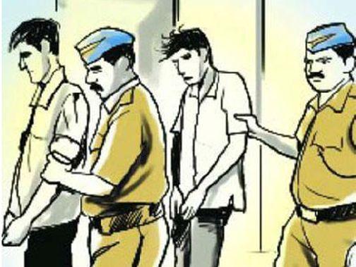 Theft of hair in a police net | केसांच्या चोरीतील चोरटे पोलीसांच्या जाळ्यात