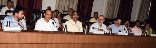 By raising funds for the Sangli district   सांगली जिल्ह्याला निधी वाढवून मिळणार, उपमुख्यमंत्री अजित पवार यांनीदिलादिलासा