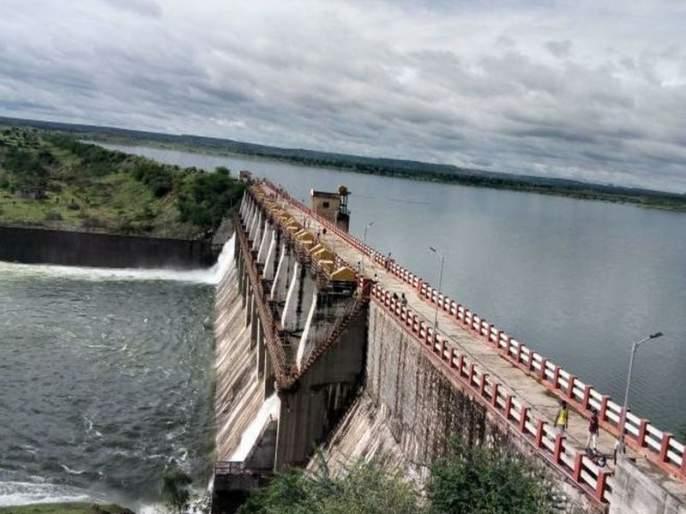 Water released from Amravati project into river basin | अमरावती प्रकल्पातून नदीपात्रात पाणी सोडले