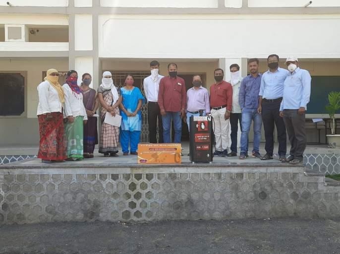 Sanitary Napkin Machine to Kasliwal Vidyalaya | कासलीवाल विद्यालयास सॅनिटरी नॅपकिन मशीन