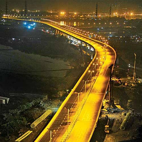 Name the Eastern Freeway after Vilasrao Deshmukh | पूर्व मुक्त मार्गास विलासराव देशमुख यांचे नाव द्या