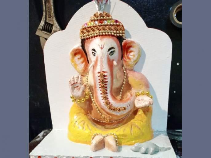 The idol ganpati bappa was made by the sailor's father sitting on a ship in South Africa | Video: दक्षिण अफ्रिकेत जहाजावर बसला नाविकांचा बाप्पा, अशी बनवली मूर्ती