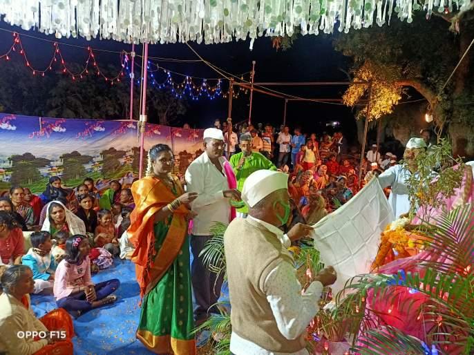 Tulsi wedding in Hullare Vasti with enthusiasm | हुल्लारे वस्तीवर उत्साहात तुळशी विवाह