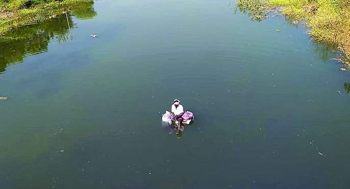 Plenty of water boosts fishing business in washim district | मुबलक पाण्यामुळे मत्स्य व्यवसायाला उभारी!