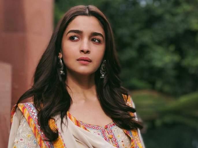 gully boy star alia bhatt reveled she forgets her dialogues due to ranbir kapoor | रणबीर कपूरसोबत काम करताना आलिया भट्टला पडतो जगाचा विसर...!!