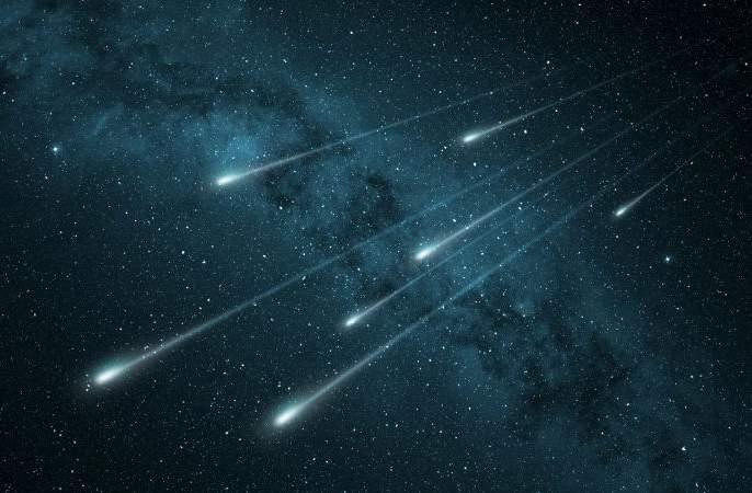 This month will see meteor showers | या महिन्यात बघायला मिळेल उल्कावर्षावाचा अभूतपूर्व देखावा