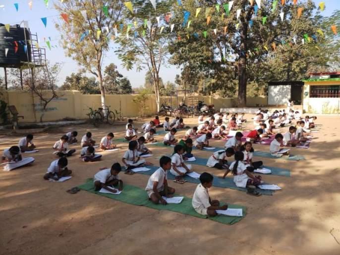 The education of the students in the tribal ashram school is always in crisis | आदिवासी आश्रमशाळातील विद्यार्थ्यांच्या शिक्षणापुढे संकट कायमच