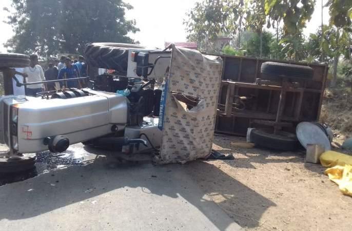Two killed and 15 injured in Chandrapur district | चंद्रपूर जिल्ह्यात ट्रॅक्टर उलटून दोन ठार, १५ जखमी