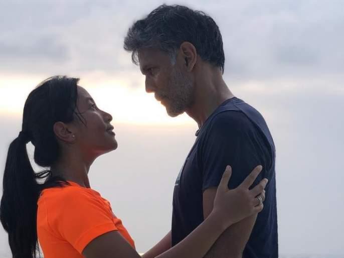 milind soman and ankita konwar first wedding anniversary UNSEEN video !! | मिलिंद सोमण- अंकिताने असा साजरा केला लग्नाचा वाढदिवस, पाहा UNSEEN व्हिडीओ!!