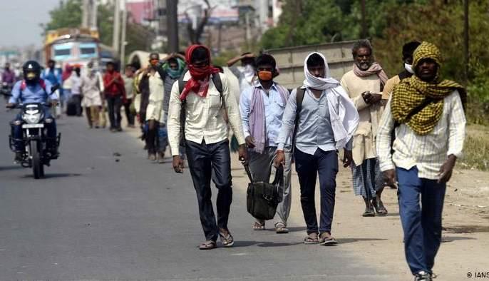 Journey of laborers to return to work   मजुरांचा पुन्हा कामावर हजर होण्यासाठी प्रवास