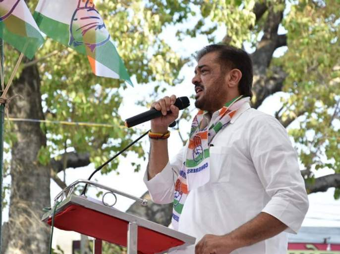 Video: Congress MLA Sunil Kedar threatens villagers viral video on Social Media | Video: काँग्रेस आमदार सुनील केदार यांची गावकऱ्यांना धमकी; भाजपाचा झेंडा लावाल तर...