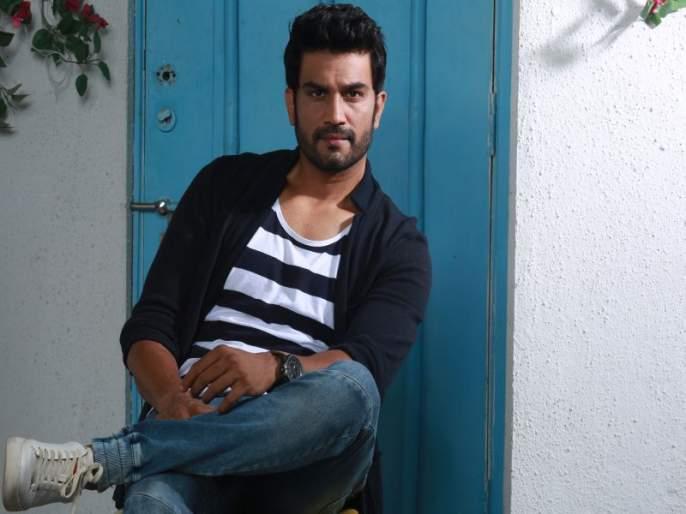 Sharad Kelkar will play 'This' role in 'Madhuri' movie   'माधुरी' सिनेमात शरद केळकर साकारणार 'ही' भूमिका