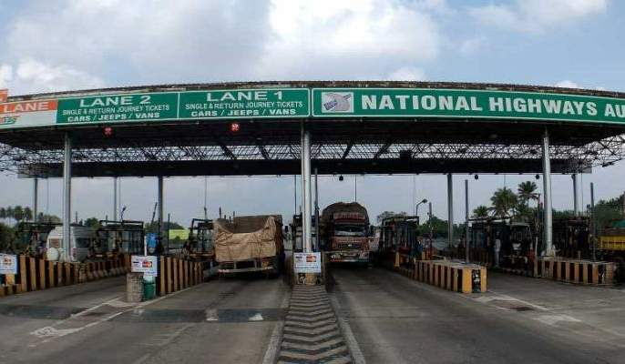 The toll tax on the highways start again   महामार्गांवर टोल टॅक्सने पुन्हा डोकेवर काढले