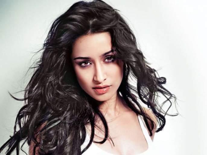 what shraddha kapoor bans boyfriend rohan shrestha from working her ex boy friend farhan akhtar | फरहान अख्तरपासून दूर राहा...! श्रद्धा कपूरने बॉयफ्रेन्डला बजावले!!