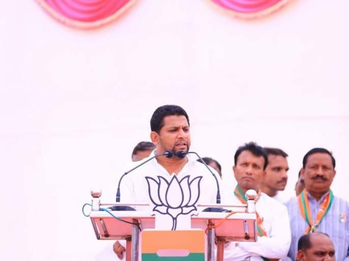 Maharashtra Election 2019: '... so I will bring Balasaheb Thorat photo to my house after the election' Says Sujay Vikhe Patil | Maharashtra Election 2019:'...म्हणून निवडणूक झाल्यावर बाळासाहेब थोरातांचा फोटो माझ्या घरी लावणार'