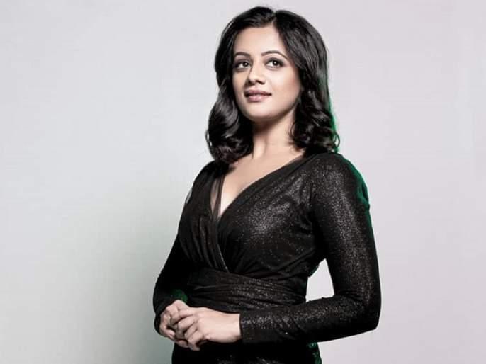 Stunning ..! Spruha Joshi shared photos in black gown, see her photos | Stunning..! ब्लॅक गाऊनमध्ये स्पृहा दिसली खूप ग्लॅमरस, पहा तिचे फोटो