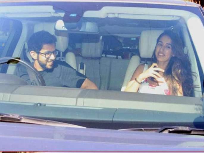 Aditya Thackeray's photo is going viral on social media, not Riya Chakraborty in the photo but ... | आदित्य ठाकरेंचा सोशल मीडियावर व्हायरल होतोय फोटो, फोटोमधील तरूणी रिया चक्रवर्ती नव्हे तर...