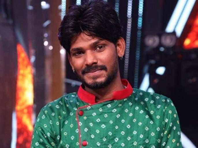 Sawai Bhatt cried after his mom said him all the best in Indian Idol 12   असं काय घडलं की 'इंडियन आयडॉल १२'च्या मंचावर सवाई भटला कोसळलं रडू