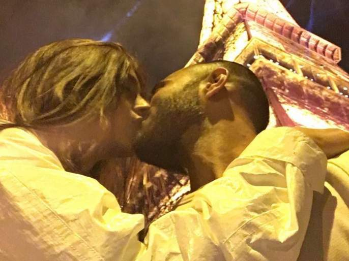 Valentine's Day Special: Bollywood actress shared a photo of Liplock with her husband | Valentine's Day Special : बॉलिवूडच्या या अभिनेत्रीने शेअर केला नवऱ्यासोबत लिपलॉक करतानाचा फोटो