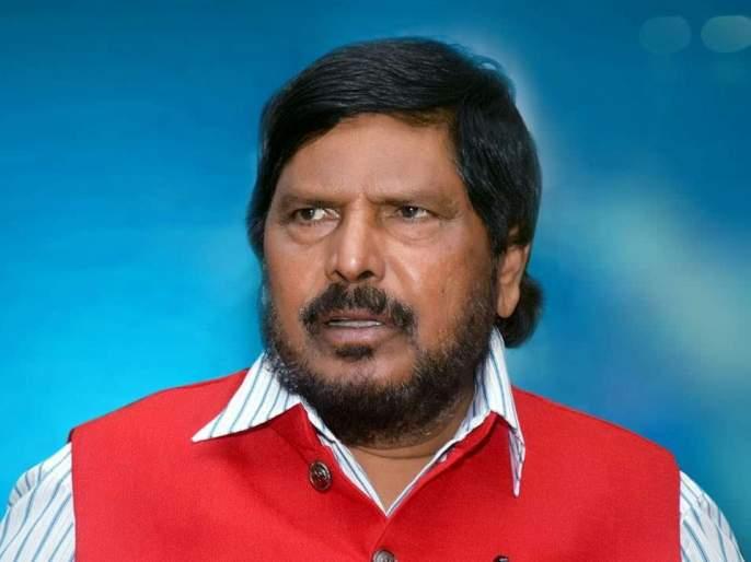 If action is not taken against Anurag Kashyap, agitation - Ramdas Athavale | अनुराग कश्यपवर कारवाई न झाल्यास आंदोलन - रामदास आठवले