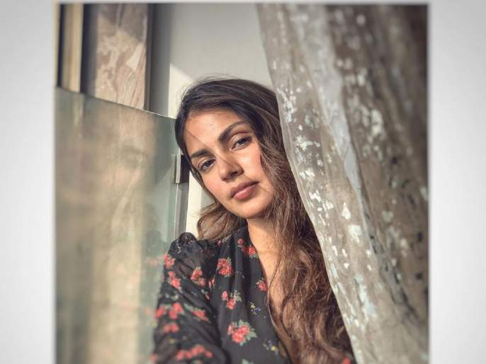 rhea chakraborty was an innocent victim of a very twisted design says soni razdan | सुरु झाली रिया चक्रवर्तीच्या बॉलिवूड वापसीची तयारी; आलियाची आई म्हणाली...