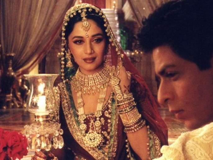 16 Years of Devdas Madhuri Dixit Nene shared a Devdas throwback picture and Shah Rukh Khan replied with 'Maar Daala' | 16 Years of Devdas: 'मार डाला...'! 'चंद्रमुखी'च्या पोस्टवर 'देवदास'ची गोड प्रतिक्रिया!!