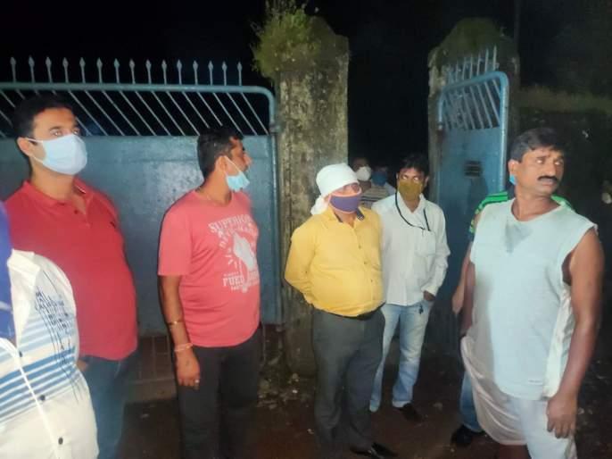 Patrolling of Valdhuni river in Ulhasnagar, citizens are disturbed by the strong smell of water | उल्हासनगरातील वालधुनी नदीची पेट्रोलिंग, नदीच्या पाण्याच्या तीव्र वासाने नागरिक त्रस्त