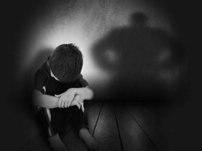 father beat son in agra uttar pradesh police arrested him | बापरे! मुलाने घरातून चोरले गहू, वडिलांनी दिली भयंकर शिक्षा