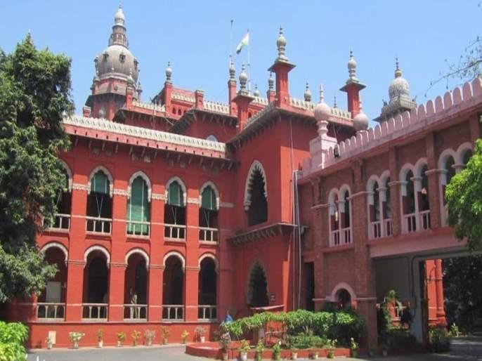 Disqualification of 18 AIADMK MLAs: Madras HC passes split verdict, status quo continues | तामिळनाडूतल्या 18 बंडखोर आमदारांना मद्रास उच्च न्यायालयाचा तात्पुरता दिलासा