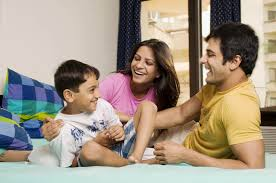 parents first see how they behave themselves and then expect from their children   मुलांनी कसं वागावं हे ठरवण्याआधी आई बाबा आधी स्वत: कसे वागतात हे बघणार का?