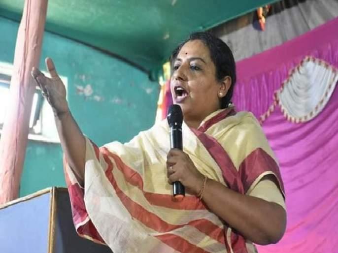 Minister Yashomati Thakur has criticized BJP MLA Surendra Singh's controversial statement | 'आमच्यात संस्कार आहेत म्हणून आम्ही तुमची थोबाडं फोडली नाही'; यशोमती ठाकूरांनी सुनावलं