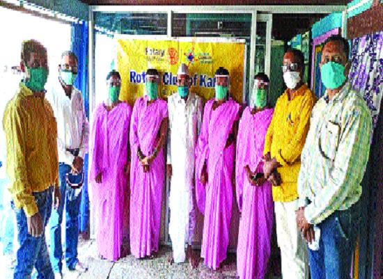 The 'Asha' maids got the shield of the face shield | 'आशा' सेविकांना मिळाले फेस शिल्डचे कवच
