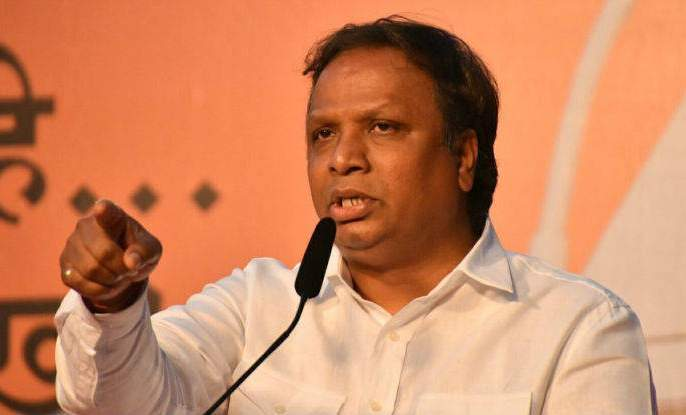 Citizenship Amendment Bill: BJP MLA Ashish Shelar attacks Shiv Sena, says Congress che Hamal, De Dhamal! | Citizenship Amendment Bill: काँग्रेसचे हमाल, दे धमाल; शेलारांचा शिवसेनेवर वार
