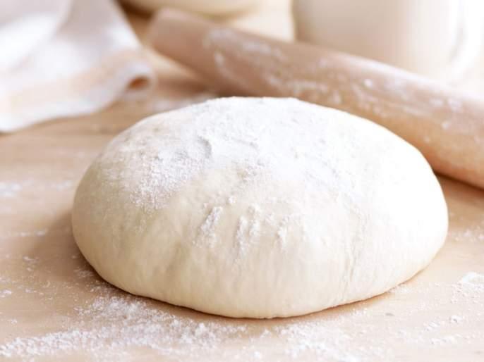 If you eat roti made from dough keeping in the fridge can make you sick | चपात्या केल्यानंतर उरलेलं पीठ फ्रिजमध्ये ठेवताय?; असं करणं पडू शकतं महागात